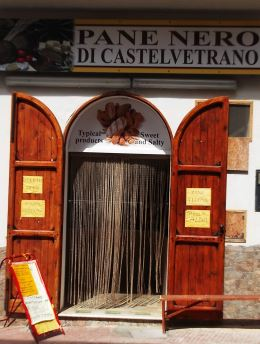 Bakery Ganga Mattia's Bakery, in Caboto street, 49 in Marinella di Selinunte, specializing in the production of black bread of Castelvetrano